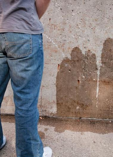 Public urination - Top Bad Habits You Don't Want To See In Addis Ababa